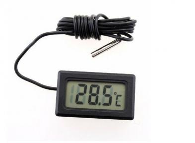 Цифровой термометр с внешним датчиком.